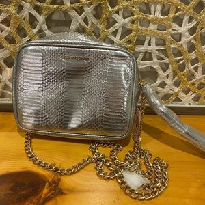 Victoria Secret Chain crossbody rare.